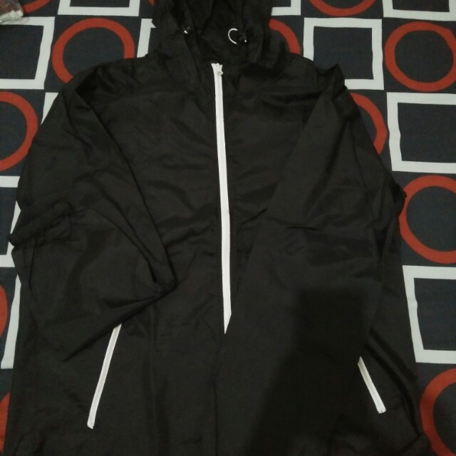 Jaket anti air + olahraga