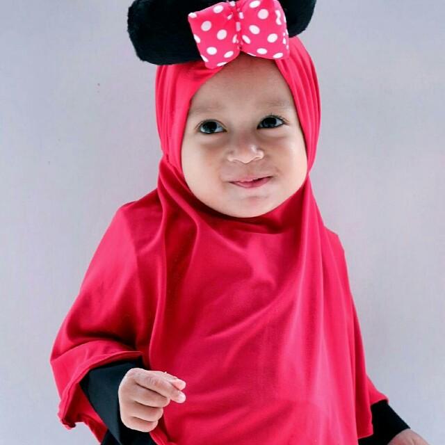 kerudung anak hijab mickey merah