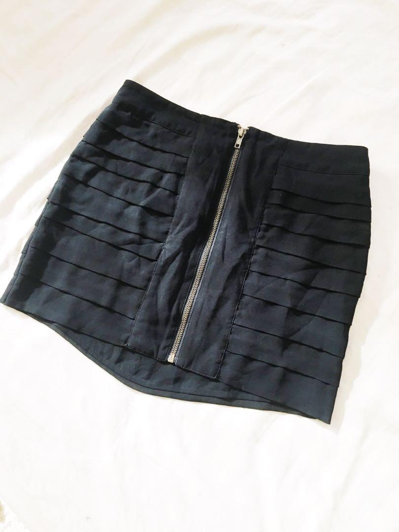 Ladakh Black Zipper Skirt