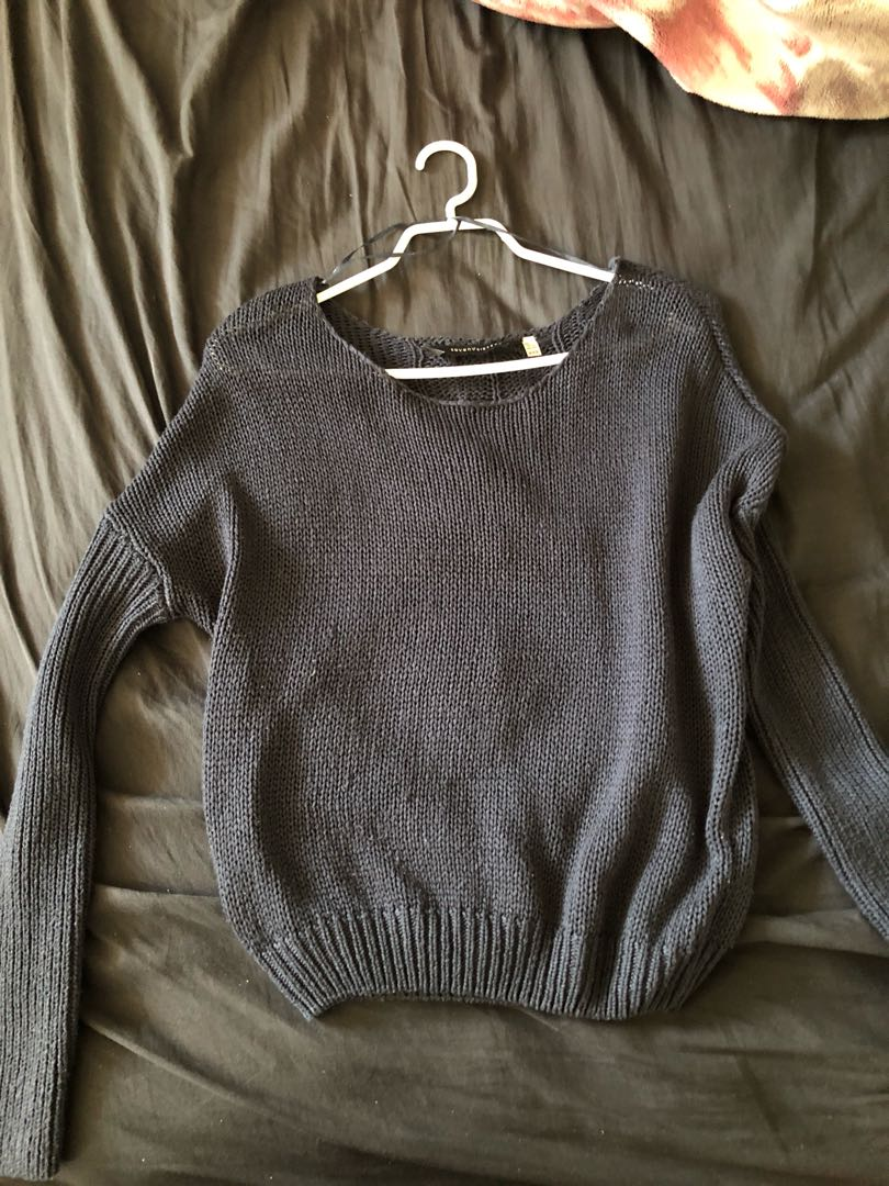 M knit sweater (it's actually navy blue)