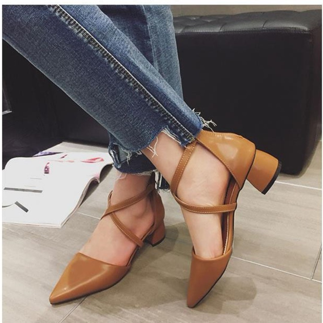 POINTED STRAP HEELS LEATHER
