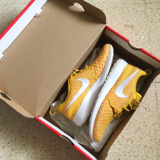 Reprice Nike Rosherun Flyknit