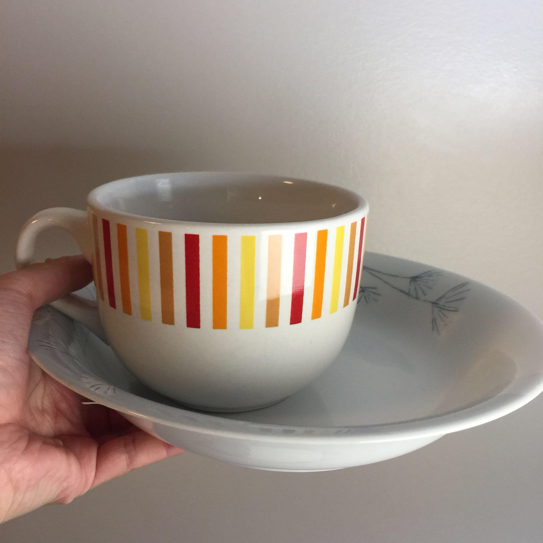 Shallow bowl and soup mug