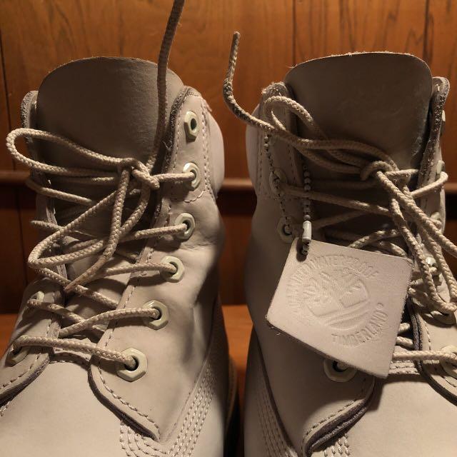 White/Grey Women's size 8 Waterproof Timberland boots