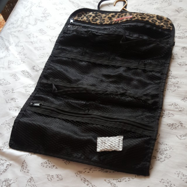 Make-up organiser bag wrap travel pouch with hook hanger