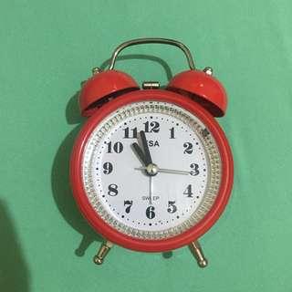 Jam waker merah, bisa nyala