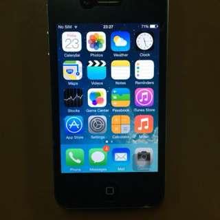 Iphone 4 16 GB . RM 200