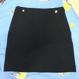 H&M Black Skirt Brandnew with tags  size 26-27 waist not overruns