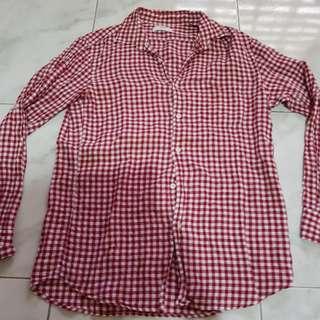 Authentic Uniqlo Checkered Button Down Shirt