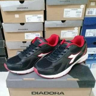 Sepatu Diadora Conan Black Original