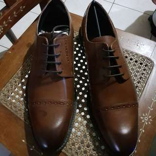 Stacy Adam's Mens Madison Brown Oxford 10.5 EE Wide