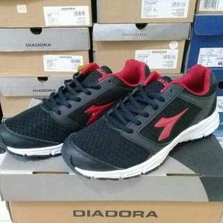 Sepatu Diadora Carlos Original