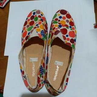 Cuci gudang : mdnugraha polkadot shoe (dominan merah)