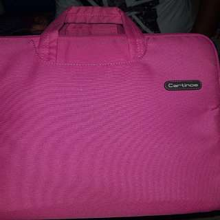 Laptop case shocking pink