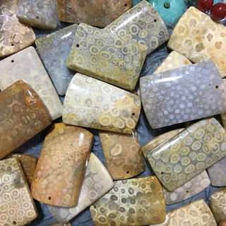 天然珊瑚玉無事牌 隨機發