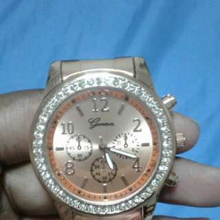 Rose gold classy watch