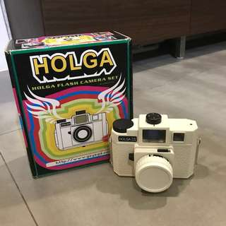 Holga S120-GCFN camera with colour flash