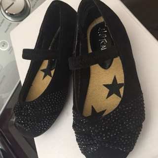 HotCakes Black Shoes for Toddler Size 5