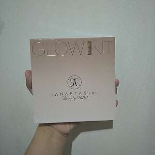 Authentic Anastasia Beverly Hills Glow Kit for sale!