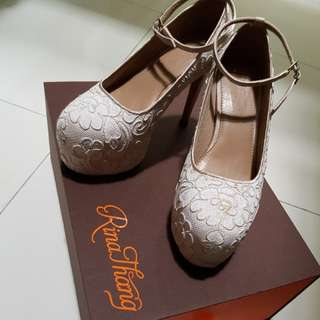 Rina thang bridal shoes once used