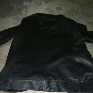Jaket kulit ( made in korea ) kondisi 85% mulus
