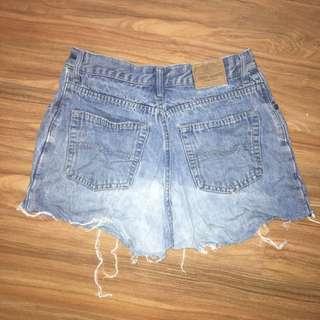 Vintage denim shorts (size medium 10-12)