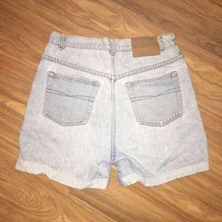 Vintage denim shorts mom/mum style