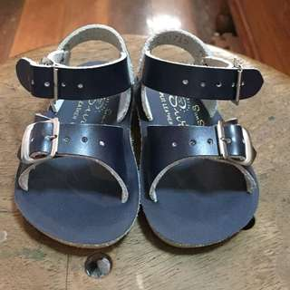 Original saltwater sandals size 3 navy