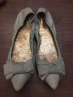 Miu Miu 粉藍色平底鞋