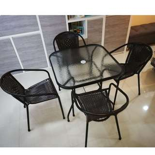Rattan Square Table Glass Top .outdoor Table And Chairs
