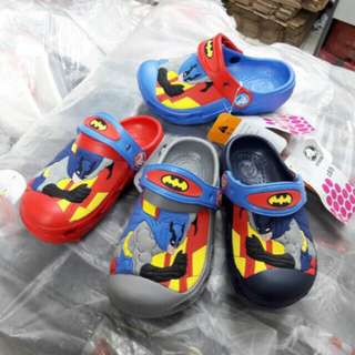 Sandal crocs anak batman