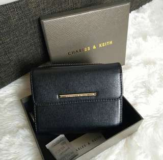 👝 Charles n keith short wallet