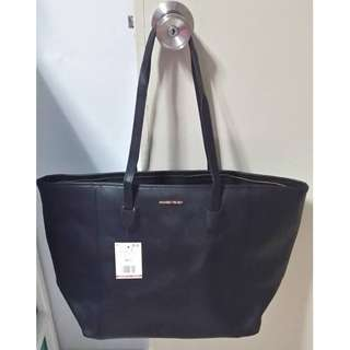 Big tote bag in black at $15