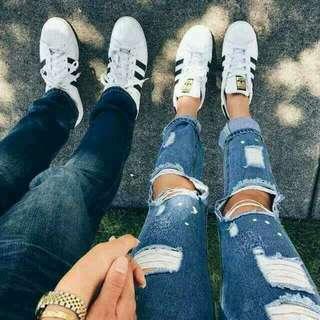 Adidas superstar couple