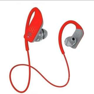 JBLGRIP 500 Sweat-Proof Wireless In-Ear Sport Headphones with Microphone and Remote