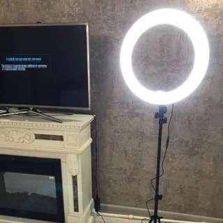 Yellow/white light ring light