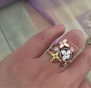 Louis vuitton ring 10k gold with signity stones