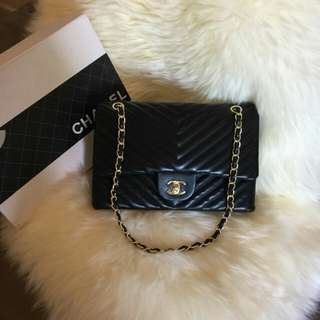 CHANEL LAMBSKIN  CHEVRON