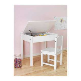 Children Desk and chair good as new