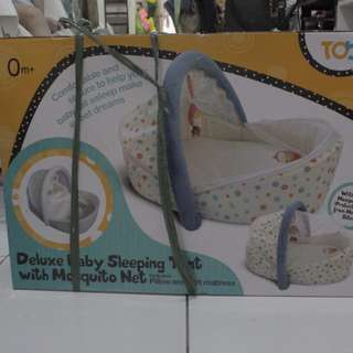 Baby sleeping tent with mosquito net