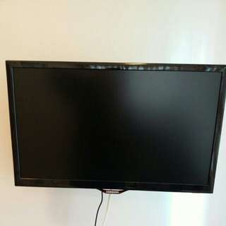 "Samsung 22"" TV (used for no more than 6 months)"