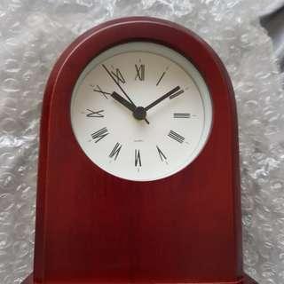 Brand new table clock