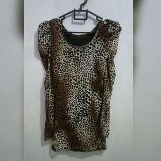 Long sleeve leopard