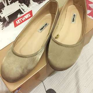 SALE!! Artwork Flat Shoes - Size 7 - Nude