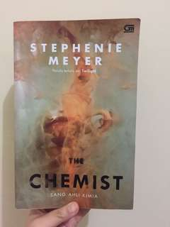 The Chemist by Stephenie (penulis terlaris twilight)