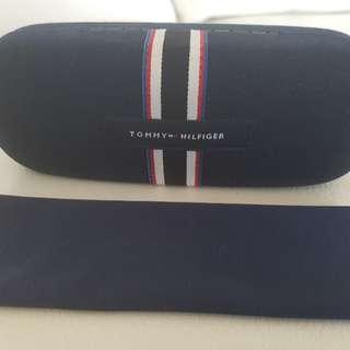 Tommy Hilfiger  glasses case
