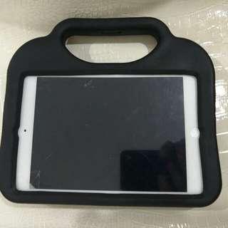 IPad mini 4G. Spoilt screen