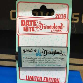 Disney LE pin - Ticket book