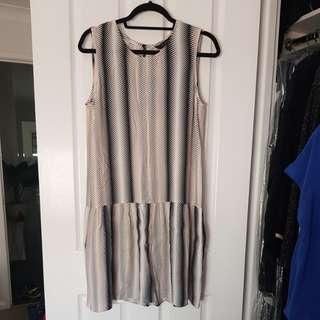 Decjuba ladies drop waist dress sz10
