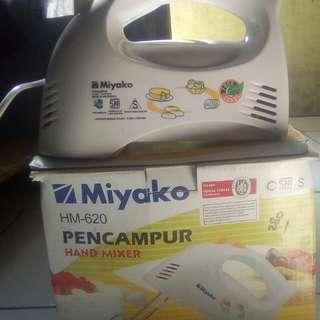 mixer tangan miyako